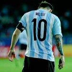 """Argentina vs Paraguay: Con Messi: 6-1 Sin Messi: 0-0 """"Uno no sabe lo que tiene hasta que lo pierde"""" ???? http://t.co/8YI5skVJiM"""