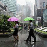 Quick takes: Analysts on #Singapores Q3 GDP estimate and MAS easing of Singdollar http://t.co/jIfJ7KTniL