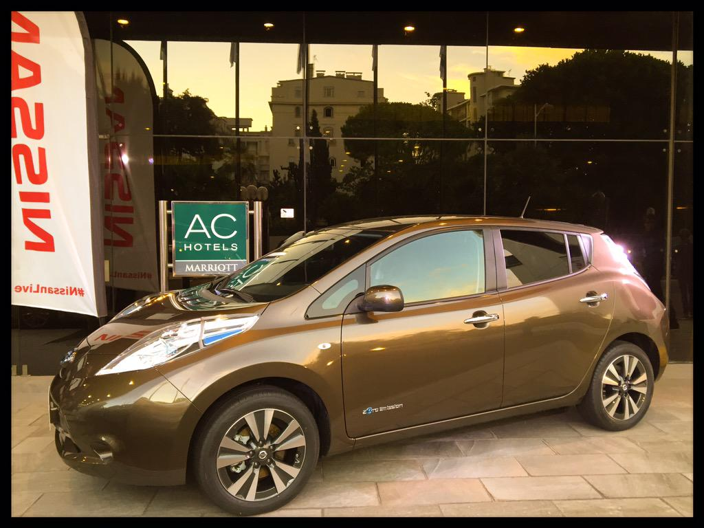 A Nizza per il test drive della nuova #Nissan #Leaf da 250 km di autonomia. Prezzi da 28.990 euro @Nissanitalia http://t.co/GBbv7yeD2t