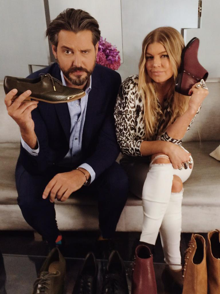 RT @rozweston: Had a ton of fun hangin' with @Fergie AND her shoes at  @hudsonsbay - see it on @ETCanada hear it on @KiSS925 http://t.co/1f…