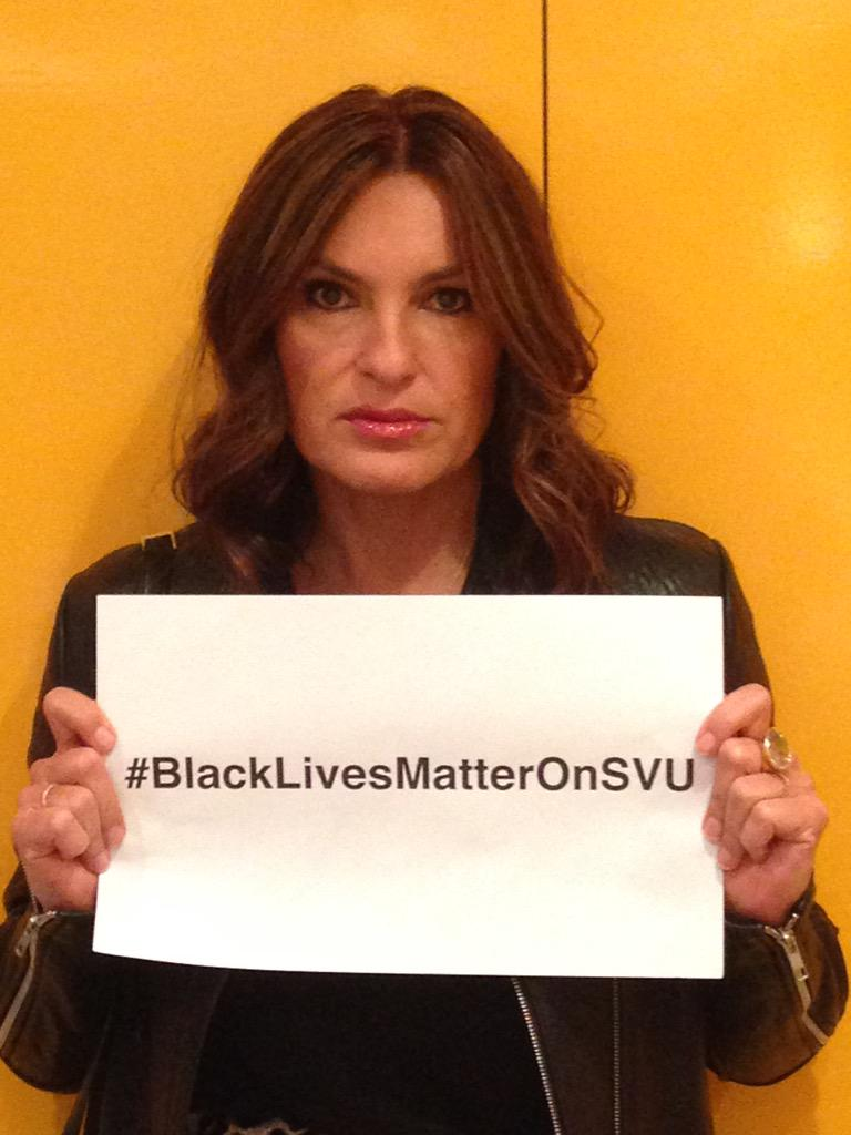 Tonight's secret hashtag... #BlackLivesMatterOnSVU. Tonight's episode confirms it. http://t.co/EsCUMsmVC7