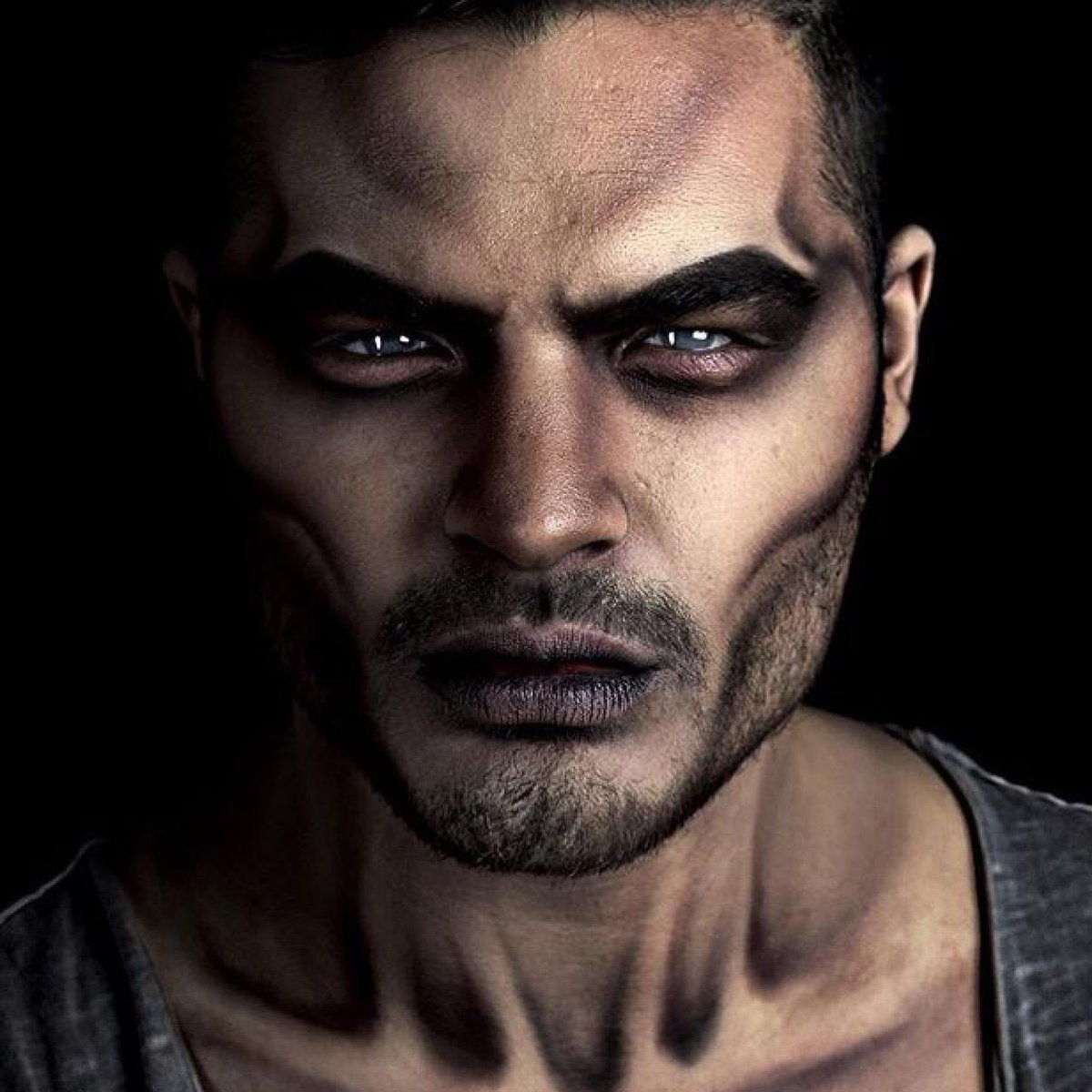 Oh Mr. @alexfaction we're in awe!!!! The shading is... Well there are no words