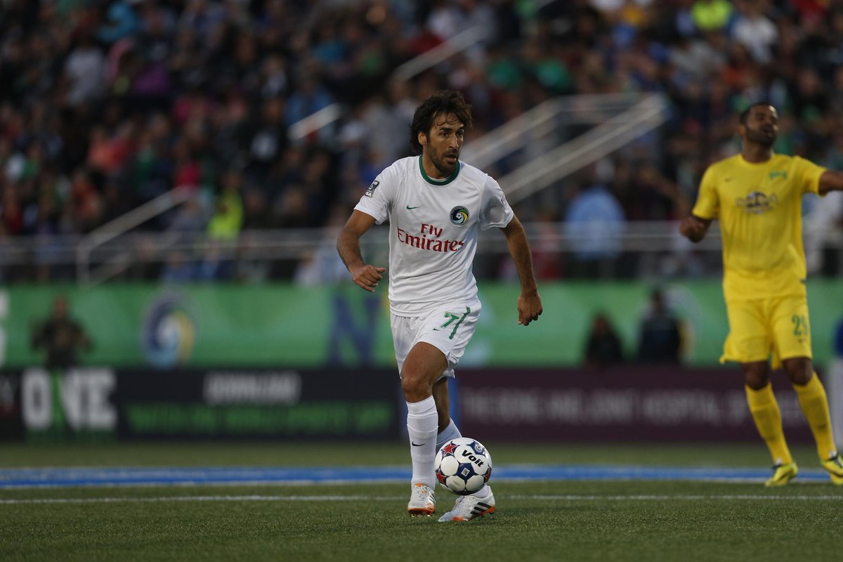 Soccer legend Raúl will retire at the end of this @naslofficial season.  Story ➡️ http://t.co/r5CzDefRl3 #NYCosmos http://t.co/ykiqAPXH5b