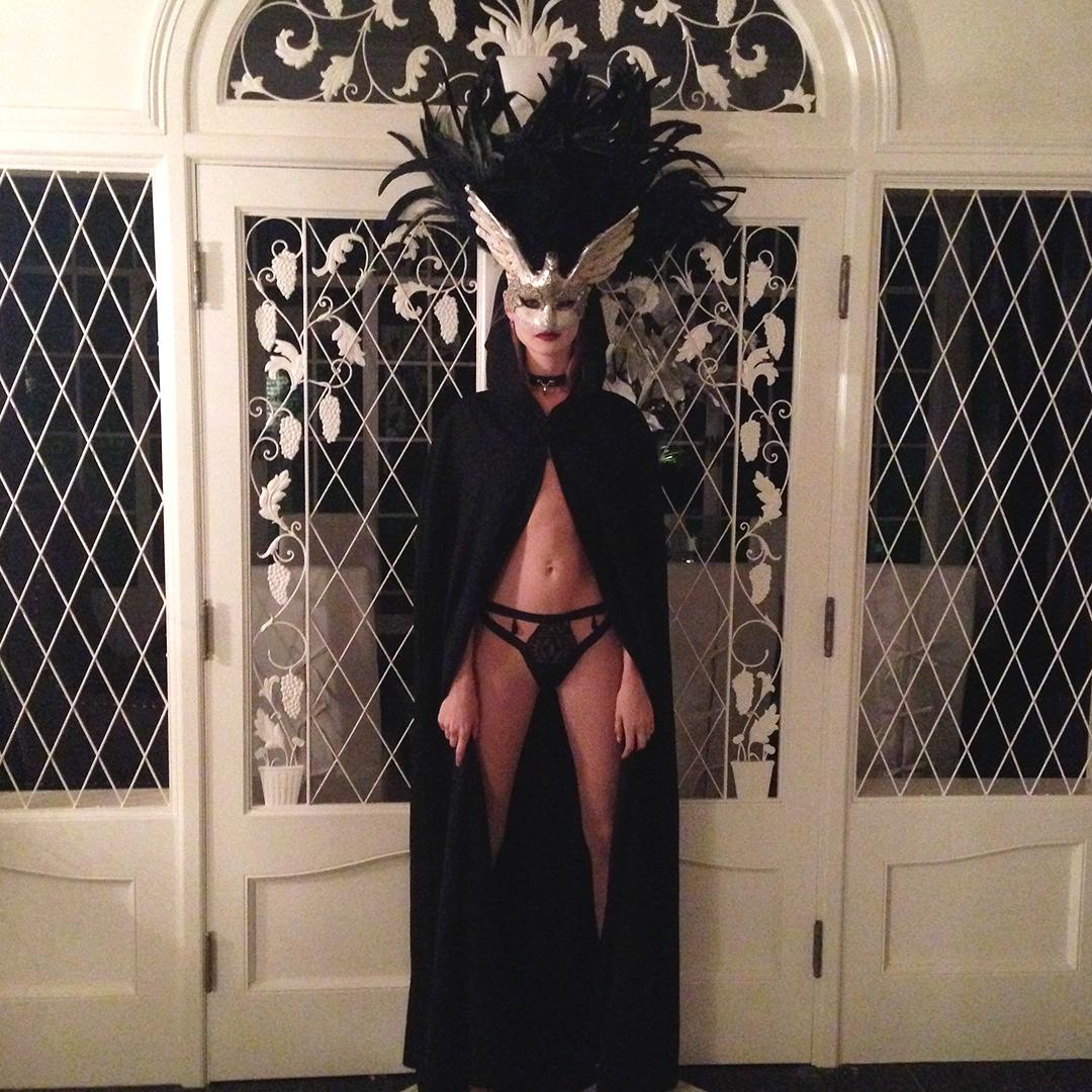 Join the dark side. We have treats ????: http://t.co/bmjJPrUd0u http://t.co/eVdeut139T