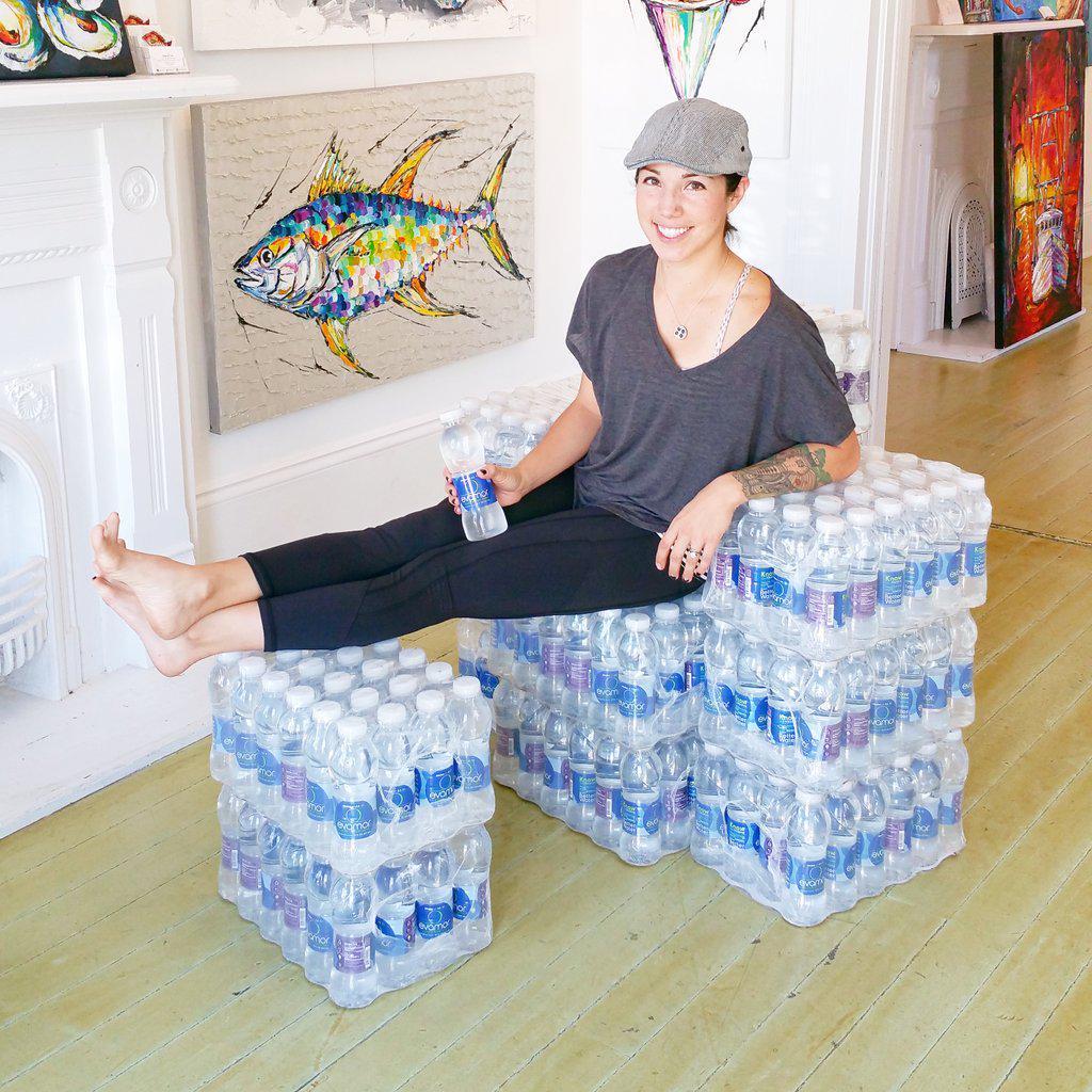 Chillin' on my Evamor Throne @EvamorWater #ThirstyThursday #evamorwater #alkalinewater #knowbettercreativity http://t.co/81yeL765KQ