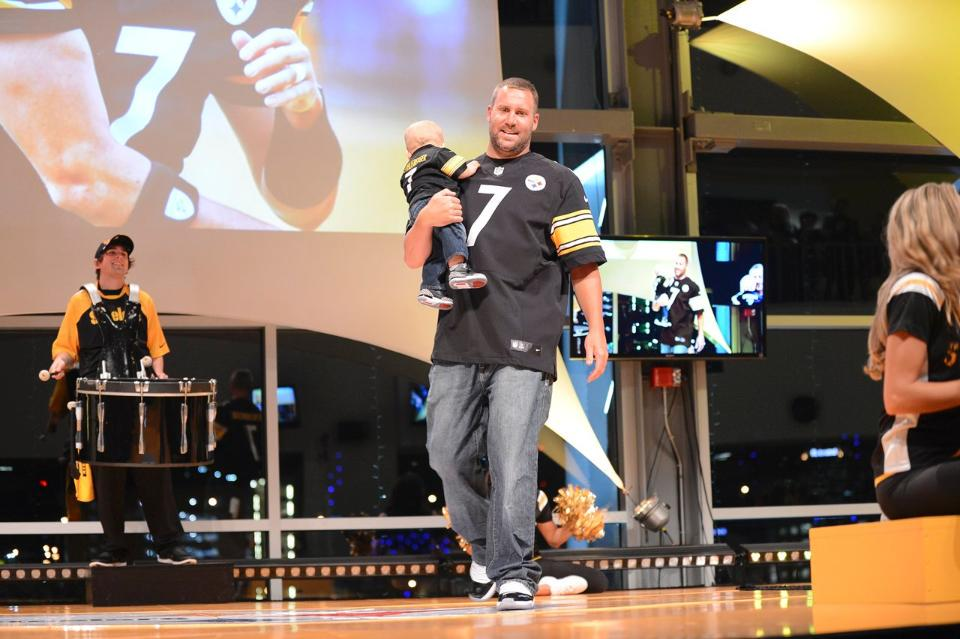Rocksteelersstyle Fashion Show Is Tomorrow Bid On All The Silent Auction Items Today Stele