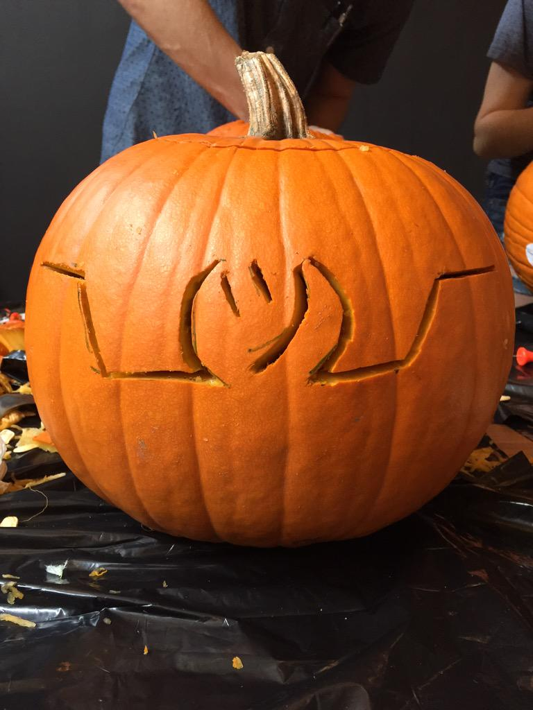 I carved a pumpkin http://t.co/OawqNWGCft