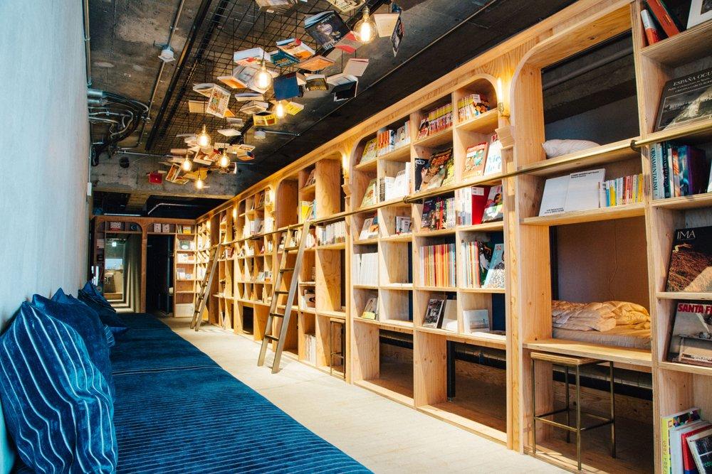 池袋「泊まれる本屋」の全貌を初公開。『BOOK AND BED TOKYO』が11月5日にグランドオープン。 https://t.co/rVjstfma4y https://t.co/GQZNuxbNj3