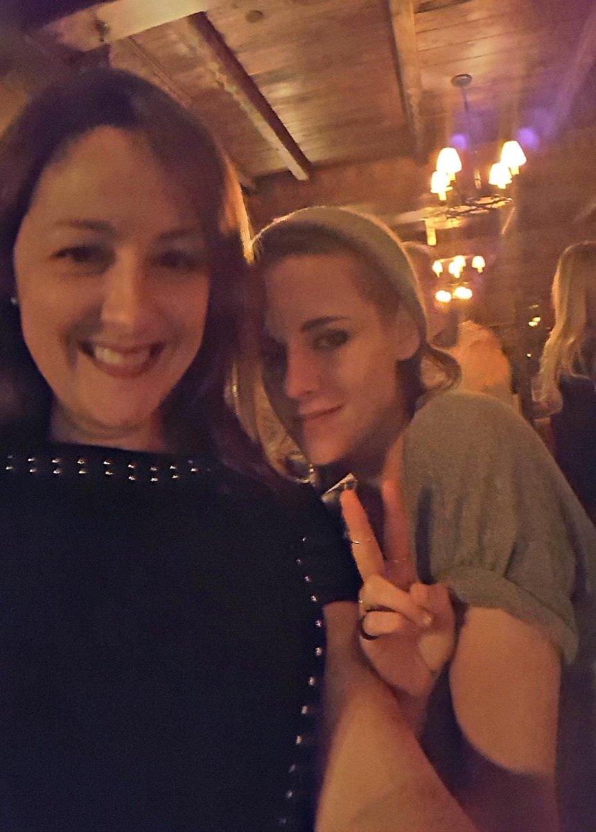 I met KristenStewart http://t.co/fndK8KhJJW http://t.co/siHlut4LOb