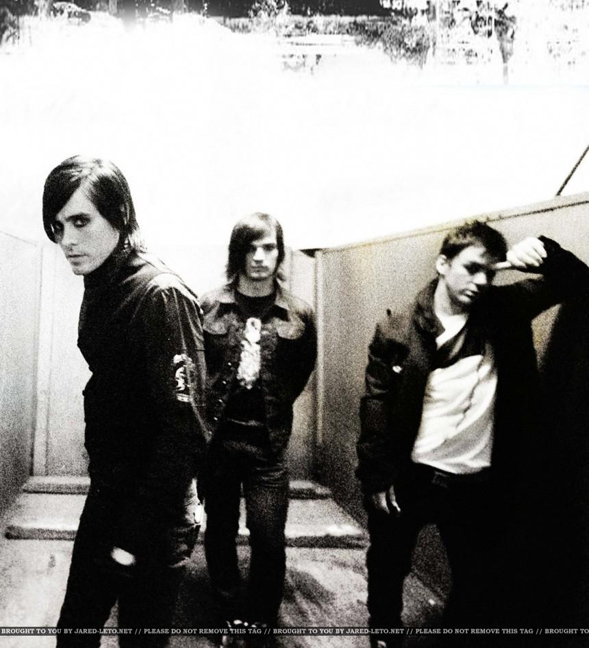 RT @30SECONDSTOMARS: #ABeautifulLie Era. | #FBF http://t.co/eM68aWMsWW http://t.co/RrB7Hbs2q1