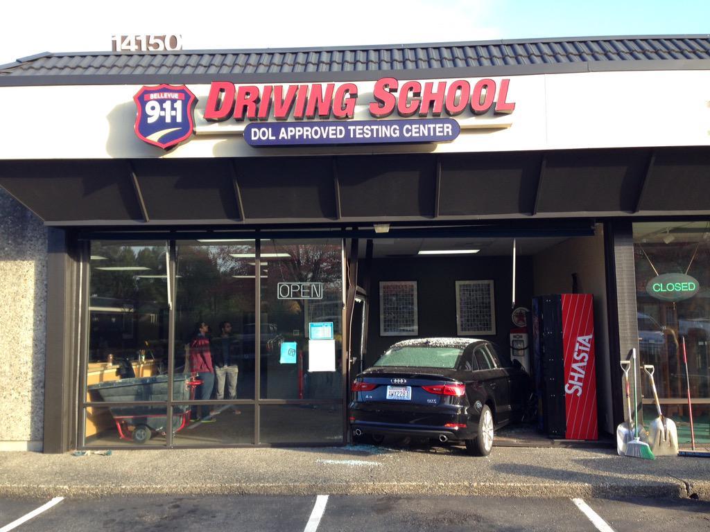 Driving test #fail.  No injuries. http://t.co/dLR6CeGsAP