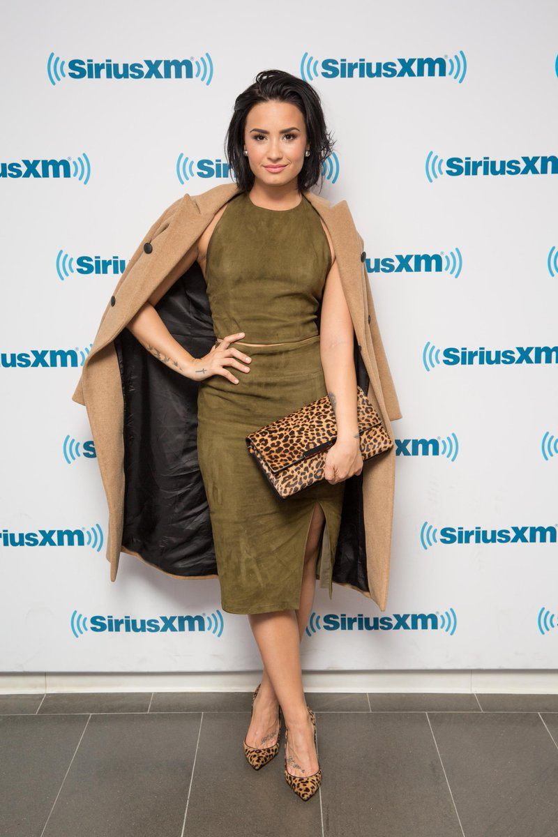 You can stop searching. @ddlovato has found the perfect fall outfit