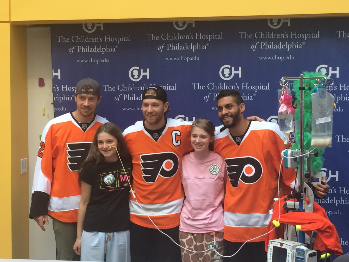 THANK YOU to @nhlflyers @28cgiroux, @michaelraffl and @bellsy78 for visiting the kids at CHOP! http://t.co/Rri9GGycif