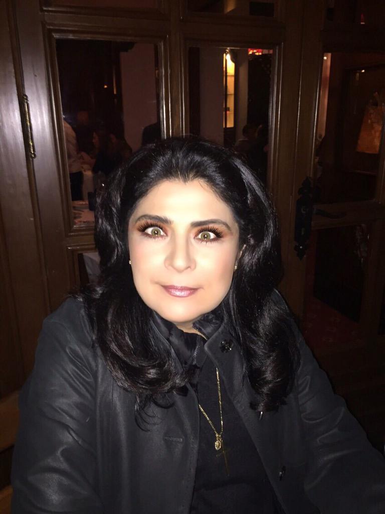 La queen @victoriaruffo31 anda chistina ☺️☺️ #sidice http://t.co/ELJNThBiP0