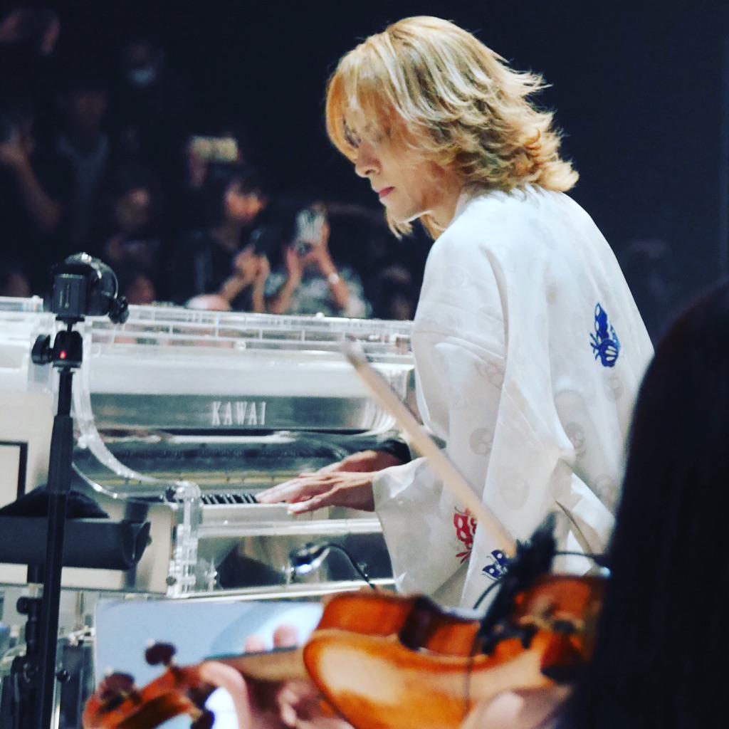 YOSHIKIMONO  #mbfwt http://t.co/FLyujRy8oW