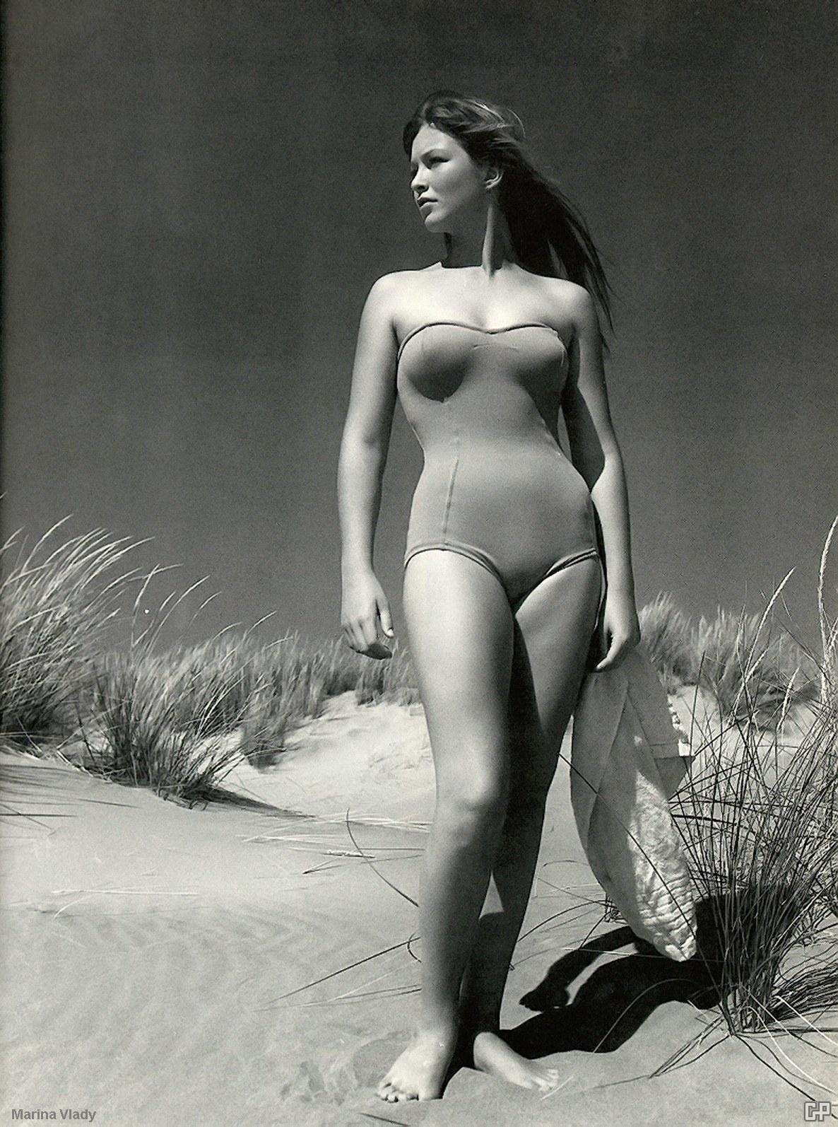 Marina Vlady at the beach (1960) http://t.co/eRfmCewyeI