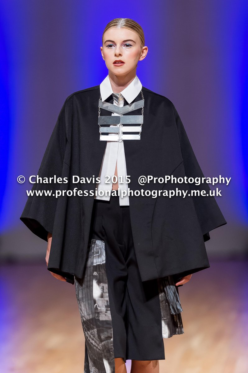 Young Designer #Winner @Geo_Richardson at @MidlandsFashion @JCardozoMarsh @AlanSharman #MFA2015 #ProPhotography http://t.co/DPdWY9xMZG