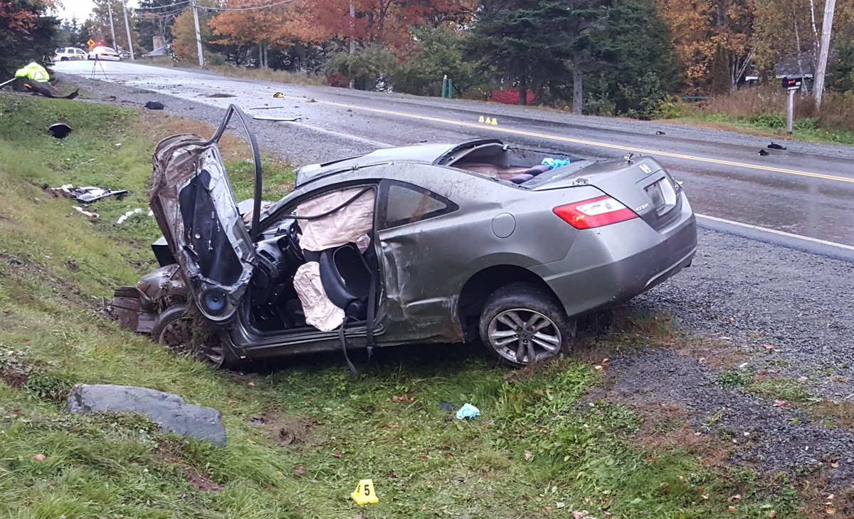descriptive essay of a car accident My first car accident 2 pages 542 words april 2015 saved essays save your essays here so you can locate them quickly topics in this paper.