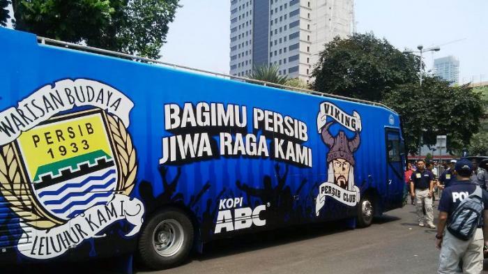Ahok Iri Lihat Bus Persib http://t.co/Tr3rPiv7du via @tribunnews #PersibJUARA #PersibDay http://t.co/Rkn4P79AKj