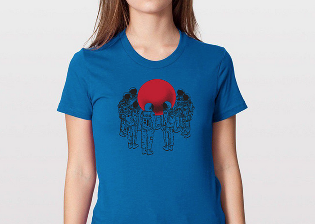 RT @hitRECord  Only a few sizes left of this astronaut tee shirt; get 'em while ya still can! http://t.co/ZgRsQannfM http://t.co/U4uFzBCzxu