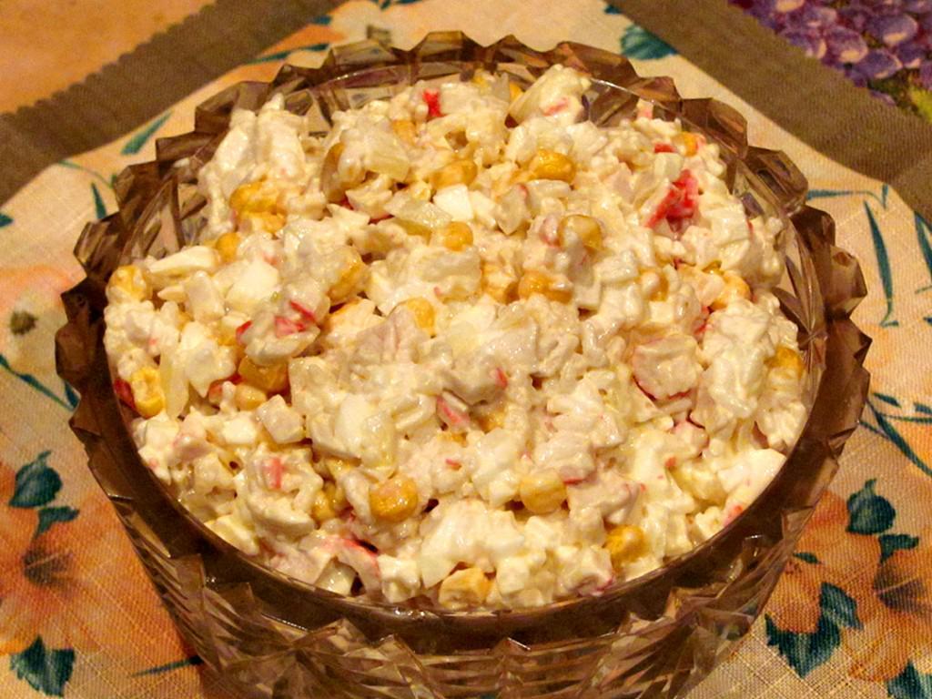 салаты с крабовыми палочками и кукурузой рецепты с фото