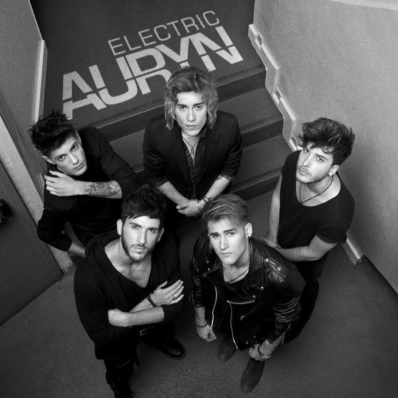 ELECTRIC. Nuevo single. 30 de octubre a la venta. #AurynElectric http://t.co/DBHxCRzJ6r