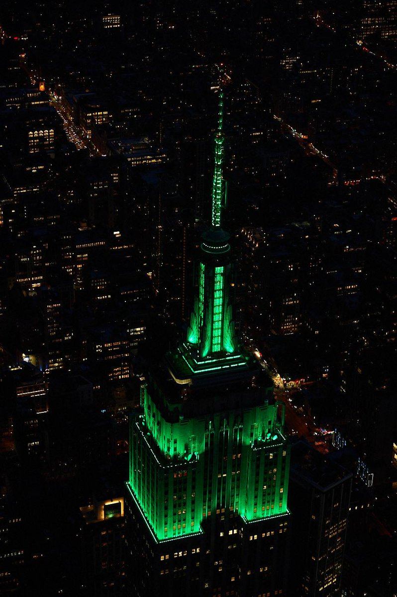 .@EmpireStateBldg to be forest green for the @MillionTreesNYC finale on 10/21! @NYCParks @BetteMidler @TDBank_US http://t.co/ssFipbFeYL