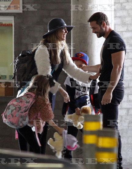 #Photo #5 Elizabeth Gutierrez @Elygutierrez19 and William Levy @willylevy29 at #CapeTown airport,14 October 2015 http://t.co/lqdtkPIxL4