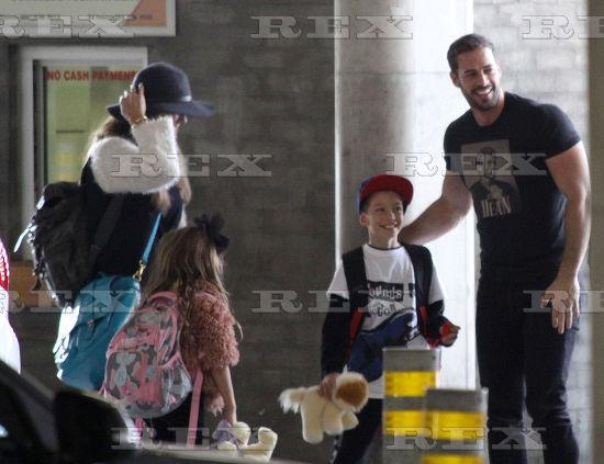 #Photo #8 Elizabeth Gutierrez @Elygutierrez19 and William Levy @willylevy29 at #CapeTown airport,14 October 2015 http://t.co/TYZGADdP29