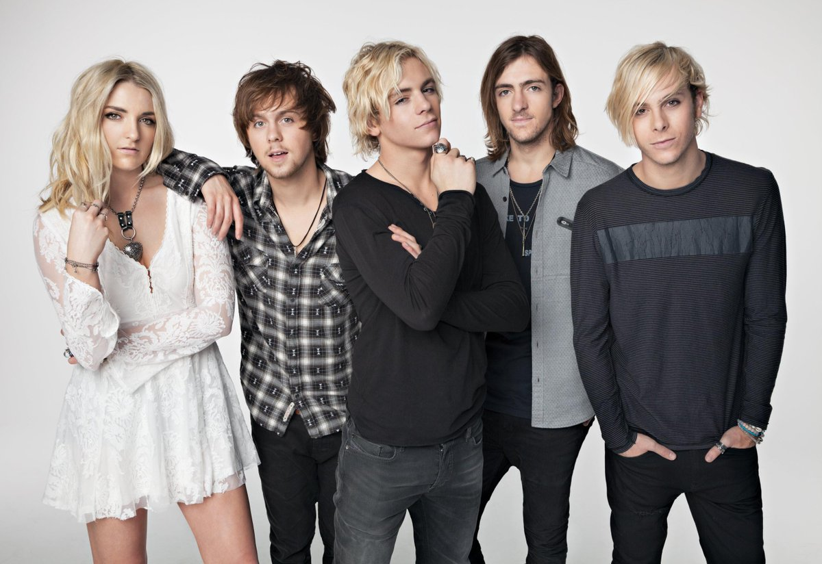 News: @officialR5 to perform 3 concerts #NYE2016 week @VenetianVegas. Tix on sale 10/22 https://t.co/1pWN8yar5N https://t.co/luGeEBzmsA