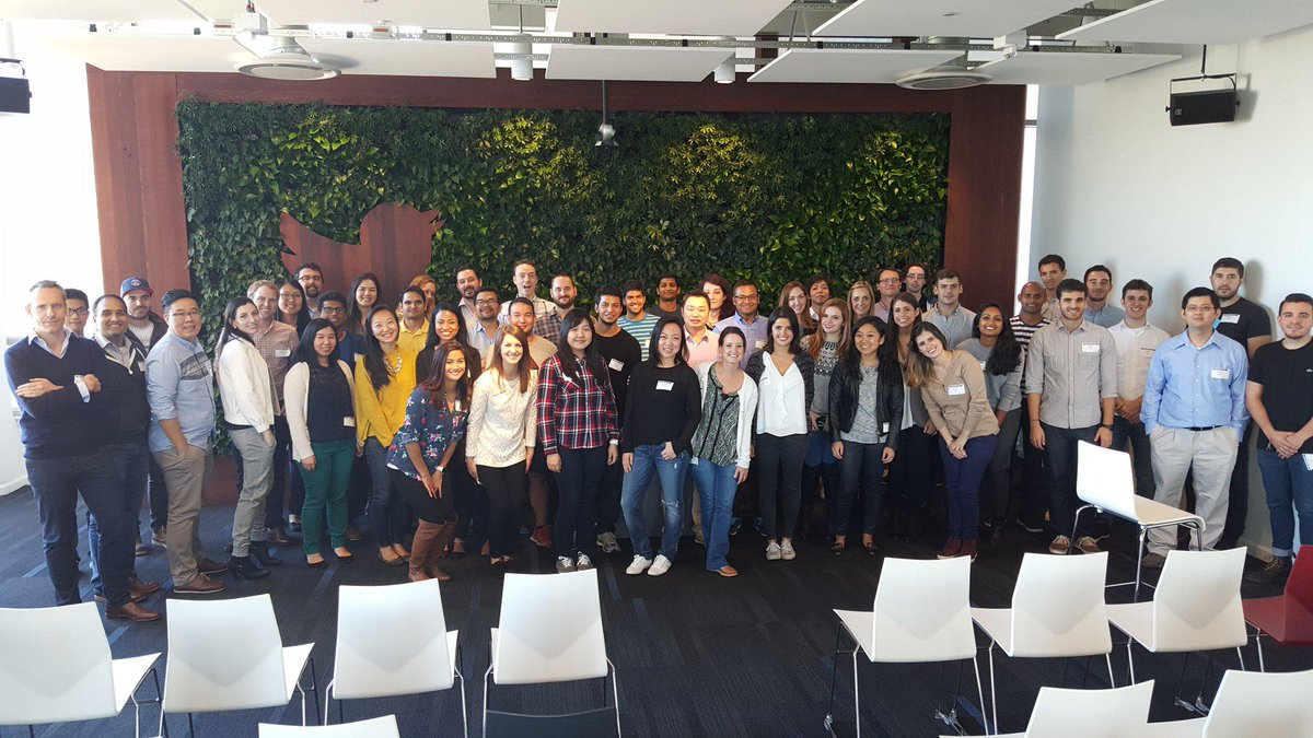 .@twitter HQ welcomes all 52 #Oct19NewHires! We hope you've enjoyed today. https://t.co/uIGRbQNkmn