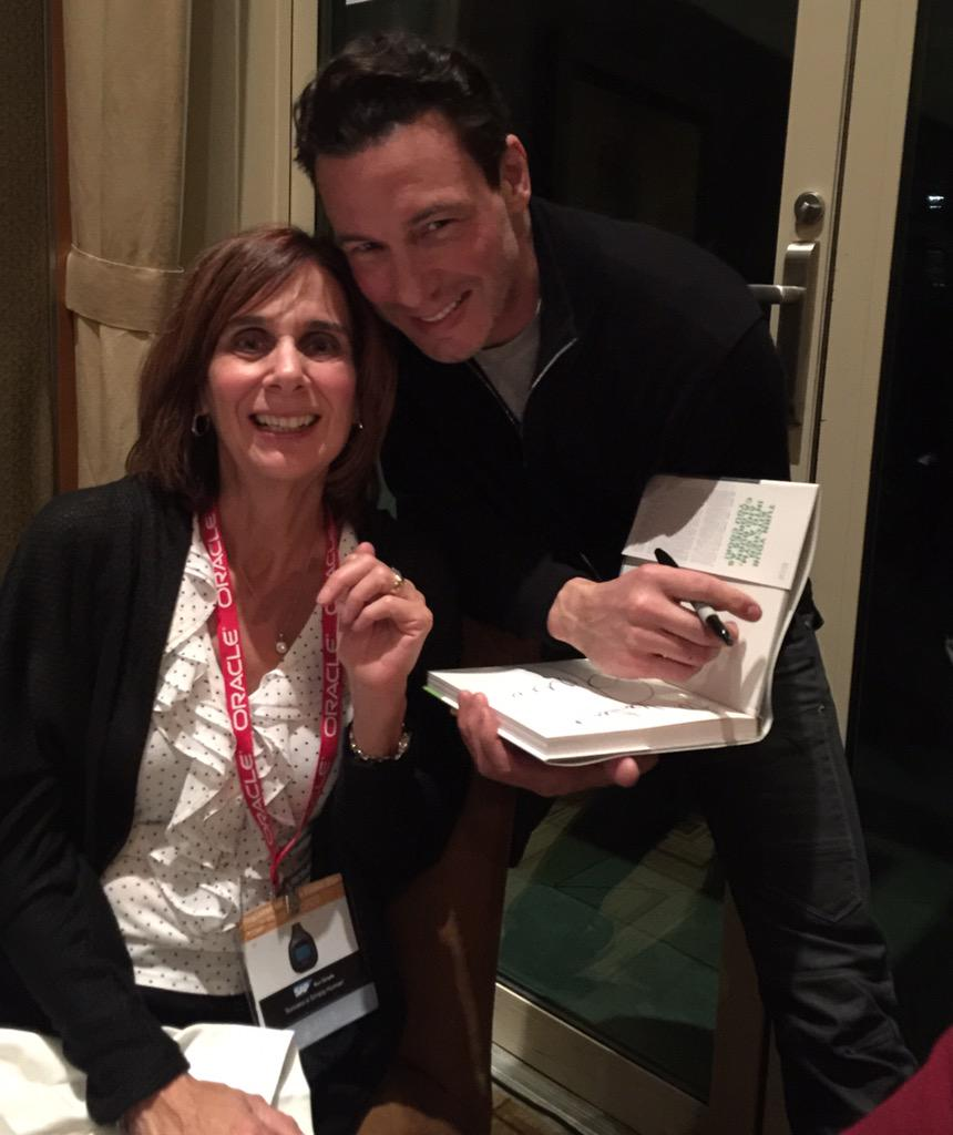 So cool of @roccodispirito to come by and sign a book for my friend's daughter. Thx Jenn for the hook up - you rock! https://t.co/LWYGTLkmSx