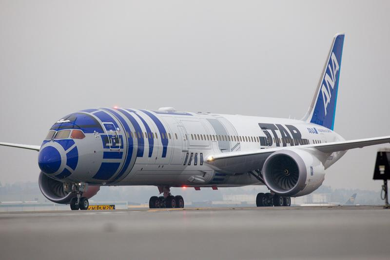 ANA's 'Star Wars' Dreamliner flies paying passengers for first time https://t.co/mSPf5i3mxX (pic: @photoJDL) https://t.co/1sEXNPeBOm