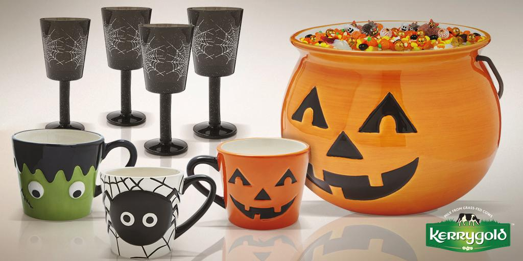 Here's a look at the #ScaryMoovie tableware set from @Sur_La_Table & Kerrygold. Win 4 wine glasses, 6 mugs and bowl. https://t.co/aA5OOwAndz