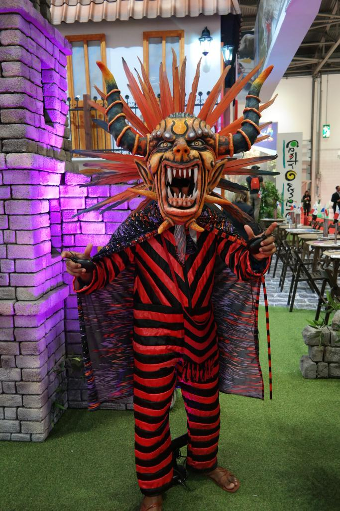 Lots of colourful characters at #WTM15 #WTMLondon https://t.co/nFgNcIrqXN