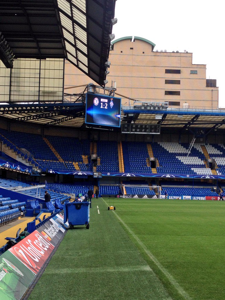 It may be 5 hours ahead of kick off at Stamford Bridge but the scoreboard ops aren't too confident it seems... https://t.co/9tOPIbQT6q