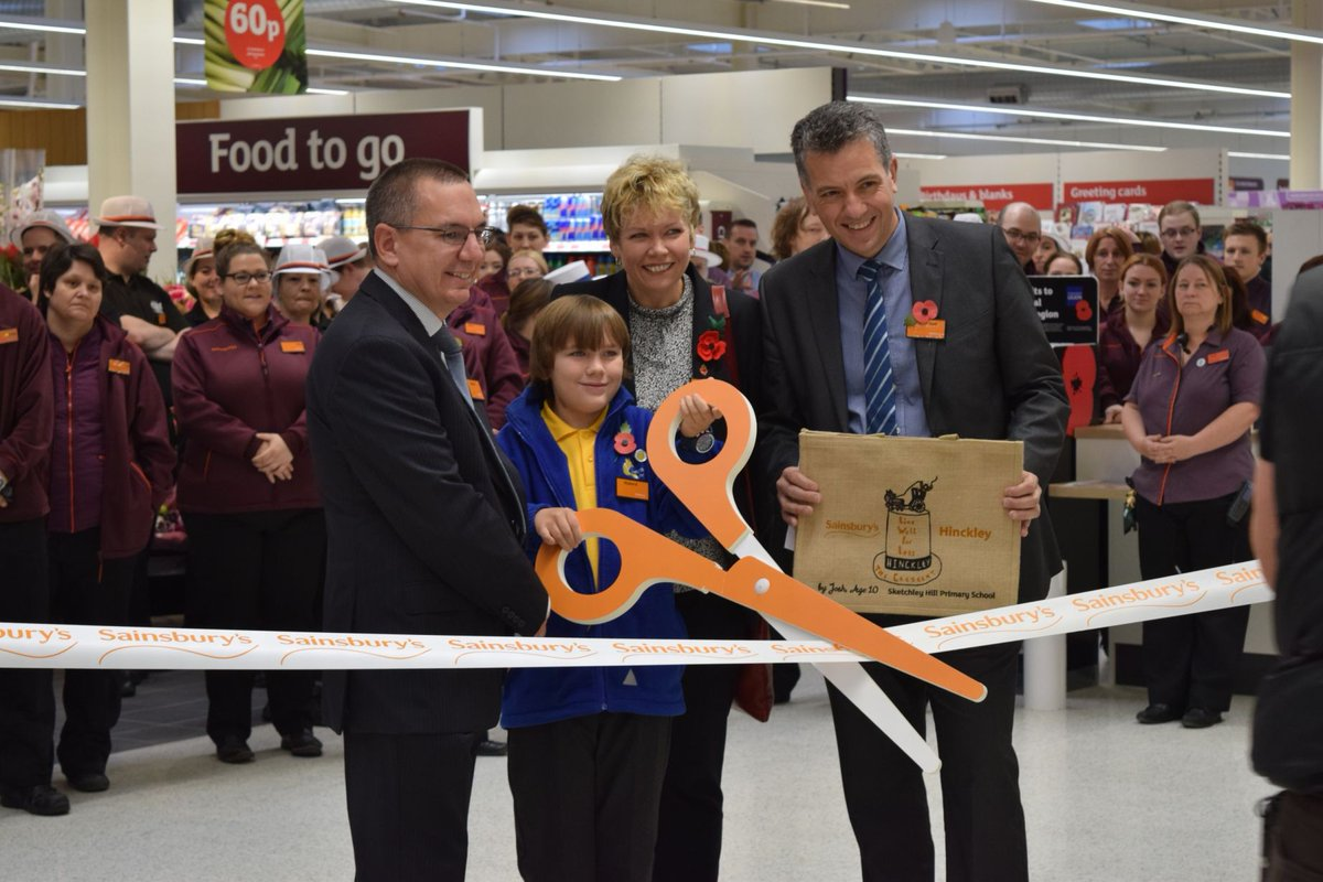Hinckley's new Sainsbury's opened today https://t.co/l46Nv3IojJ #MidlandsHour #eastmidlandshour #leicesterhour https://t.co/bvmA0akccN