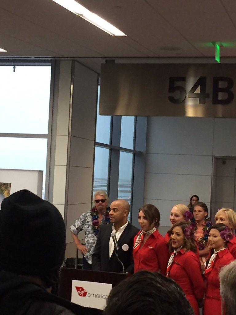OMG @richardbranson at @flySFO for @VirginAmerica's first flight to Hawaii!! https://t.co/Rg2btC5KON