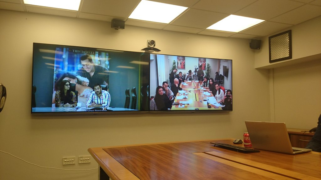 Awesome video conference with @BeingSalmanKhan @sonamakapoor for Prem Ratan Dhan Payo @prdp #Bollywood #romantic https://t.co/5nJnGmRZc4