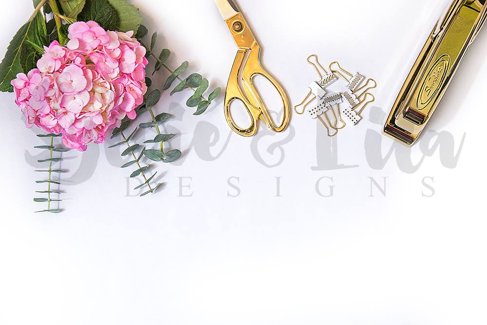 So excited to have launched my first @Etsy shop yesterday for my #Styled #StockPhotography! https://t.co/7ojEe9Jx9o https://t.co/jhks8DGfiE