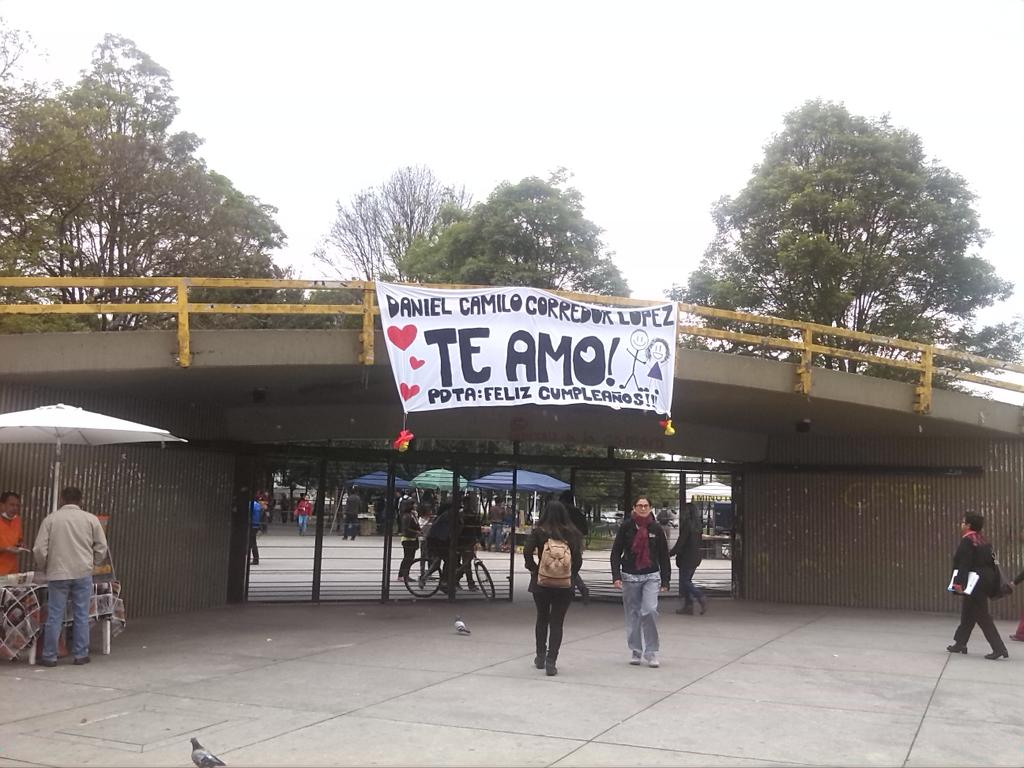 Suave la boletiada a Daniel Camilo https://t.co/mLKKjBx06K