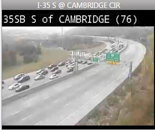 #KCTRAFFIC Travel times into Downtown KC at 2.5+ hrs for #RoyalsParade. Here's SB I-35 @ Cambridge Circle. #BeSafe https://t.co/40KIvPE1fl