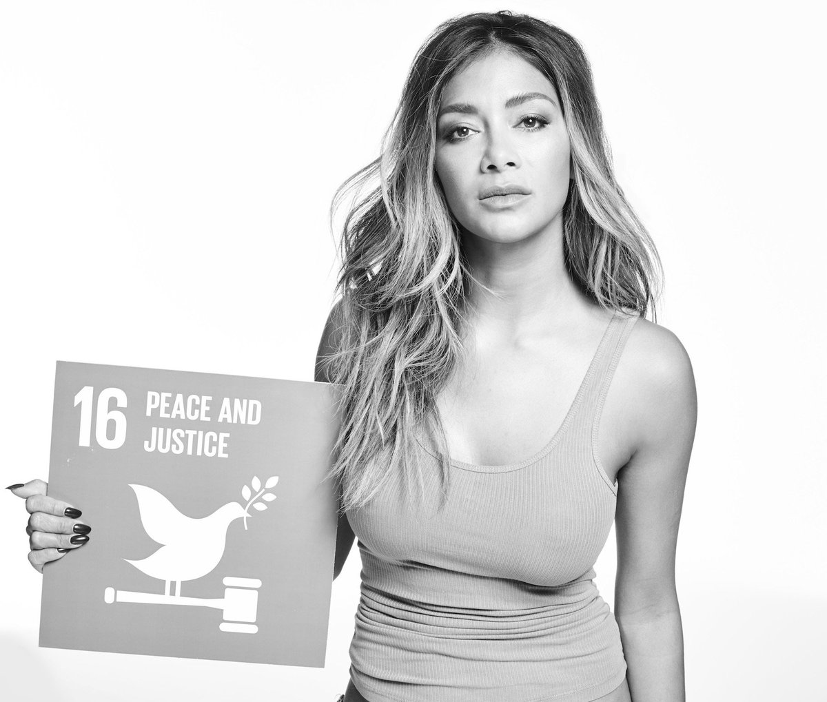RT @TheGlobalGoals: The beautiful @NicoleScherzy standing for a beautiful goal. Is this the goal that YOU care most about? #GlobalGoals htt…