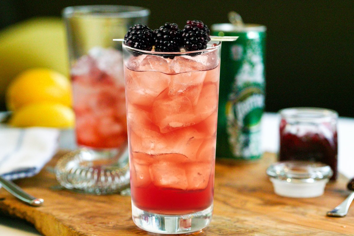 Start your #HappyHour with a few laughs + a Blackberry Basil Collins from #TheBistro. https://t.co/zgTBNEIGuh