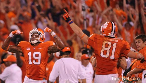 #Clemson ranked #1 in CFB Playoff Rankings: https://t.co/nXTSIJPKtj https://t.co/5GAYFq6fmr
