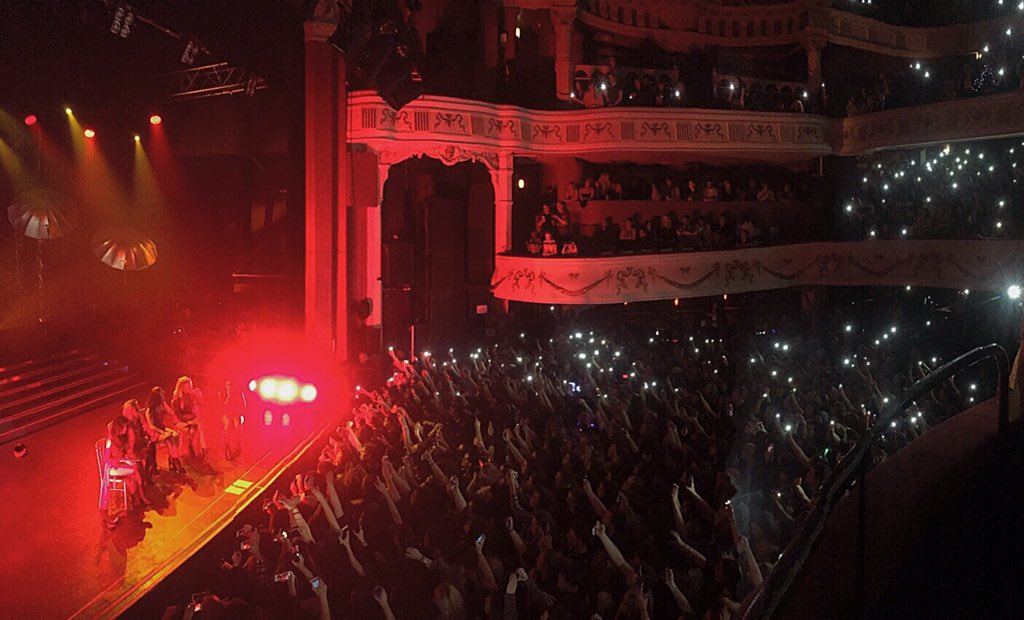 You all looked absolutely beautiful at tonight's @FifthHarmony show! #5HTakesLondon #5H #FifthHarmony https://t.co/ZAlRLVo1zf