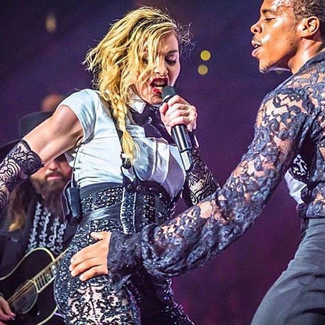 Ring through my ears and sting my eyes..........???????????????????????????????? ❤️ #rebelhearttour https://t.co/FlpIcQPrPx