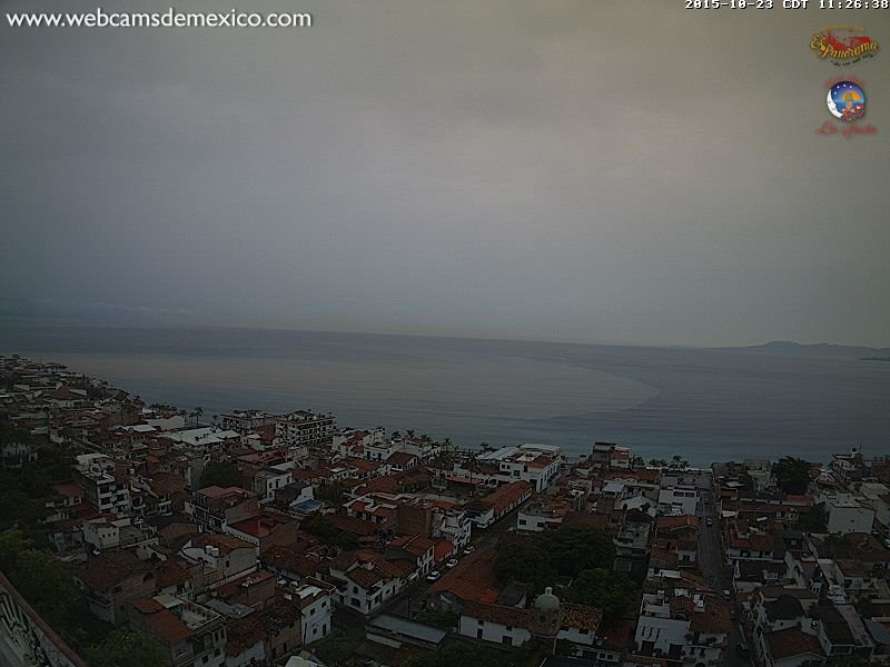 Webcam out of Puerto Vallarta shows mud already pouring into the bay from rivers.  https://t.co/PFLuMkkvTc https://t.co/AcmpkRm3bi