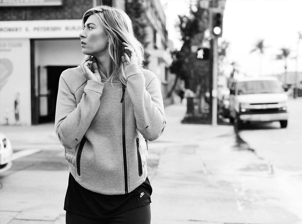 RT @Nikecourt: Everything you need for whatever it takes. Download the Nike Tech Book at https://t.co/MS1wpsdmA7 @MariaSharapova https://t.…