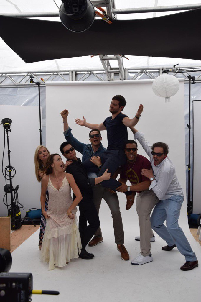 One more week and this crew gets a little more #Grimm.  Okay a lot more grim. Wuhuuuuuuu!!!!! #Grimmiere https://t.co/hJoD8hXFhj